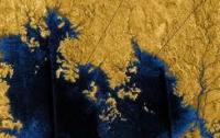 Астрономы нашли на спутнике Сатурна озеро глубиной 1 метр