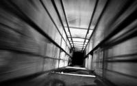В Херсоне упал лифт с двумя детьми