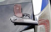 По Харькову разгуливал мужчина с пистолетом