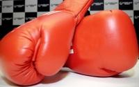 Боксеры одновременно отправили друг друга в нокдаун (видео)