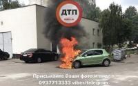 Жуткое ЧП в Киеве: на проспекте Победы сгорела машина