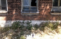 Боевики обстреляли жилой дом (фото)