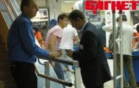 «Караванский стрелок» устроился работать охранником в супермаркет?