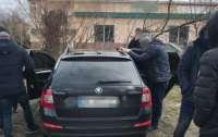 Под Львовом двух полицейских уличили в сбыте наркотиков