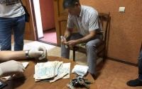 Замглавы местной прокуратуры в Херсонской области поймали на взятке