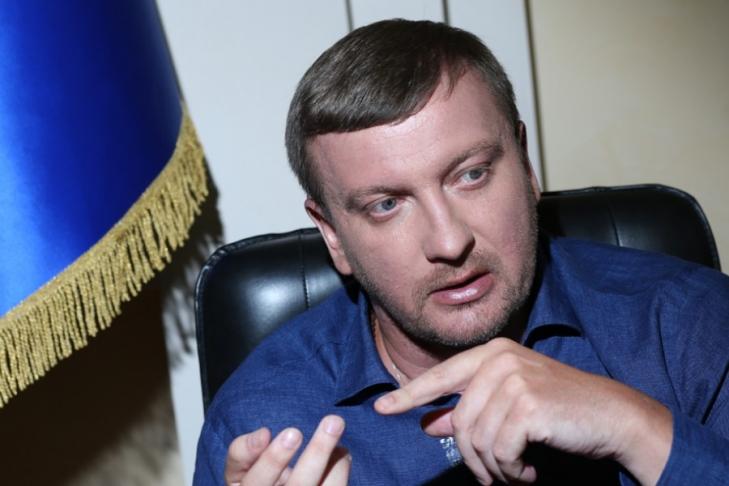 Янукович иего окружение вывели изУкраины около $40 млрд— Минюст