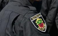В центре Запорожья женщина срывала автономера с машин