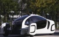 Первый пластиковый электромобиль представили в Японии