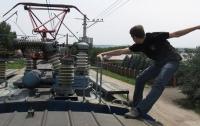 В Одесской области подростка ударило током на крыше поезда