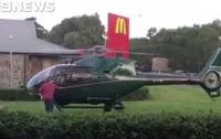 Жажда McDonald's: австралиец прилетел в общепит на вертолете (видео)