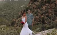 Он рядом: невеста устроила фотосессию без физического присутствия жениха