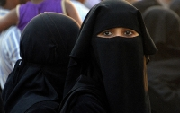 Мусульманкам впервые разрешили боксировать в хиджабах