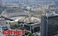 Возле «Олимпийского», на гостинице «Спорт» появились скалолазы