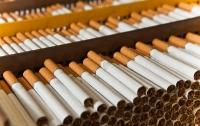 Иностранец пытался вывезти из Украины масштабную партию контрабандных сигарет