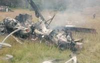 Крушение вертолета в Мексике: Тела людей остаются под горящими обломками