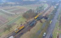 Несколько вагонов поезда сошли с рельсов на Закарпатье (видео)