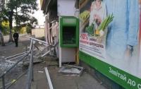 На Харьковщине воры уничтожили взрывчаткой банкомат и украли 45 тыс. гривен