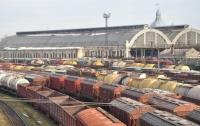 Страшная смерть: во Львове пассажирский поезд сбил женщину