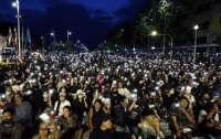 В Таиланде 10 тысяч человек вышли на акцию протеста