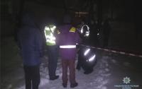 Жестокое убийство в Киеве: мужчина зарезал иностранца (видео)
