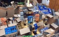 В Киеве накрыли подпольный цех фальшивого алкоголя