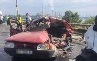 В Днепре в ДТП погибли два человека