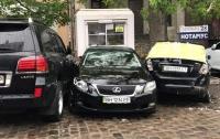 В центре Одессы водитель угробил три автомобиля