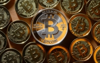 Курс Bitcoin резко обвалился после рекорда