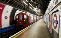 В лондонском метро произошло ЧП: загорелся поезд