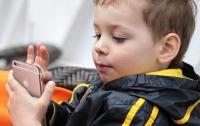 Семилетнему мальчику удалось обойти защиту iPhone XS