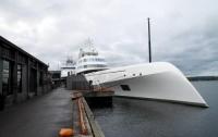 Российский олигарх купил крупнейшую в мире яхту за $404 миллиона (ФОТО)