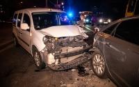 ДТП в Киеве: Renault на полной скорости протаранил Audi