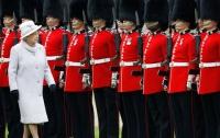 У гвардейцев королевы Великобритании плохая гигиена
