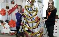 У школі в Сумській області замість новорічної ялинки встановили
