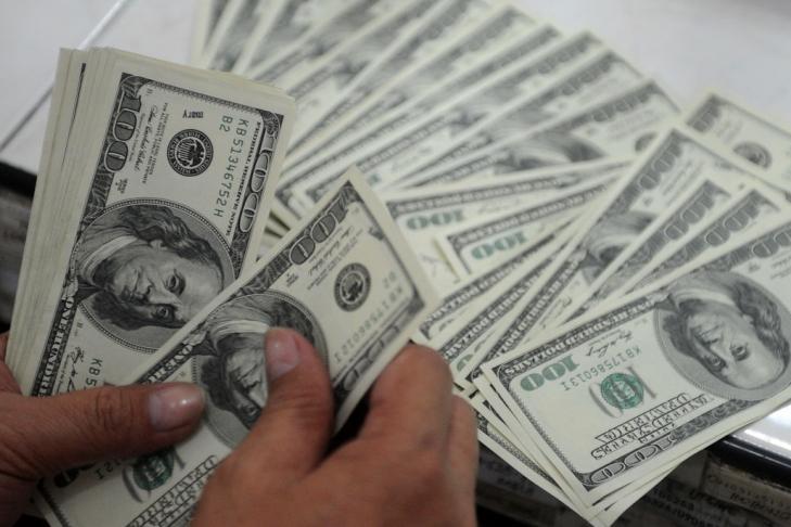 Летом недостаток платежного баланса вырос до594 млн долларов,— НБУ