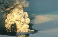 В Великобритании отменили сотни авиарейсов из-за вулканического пепла