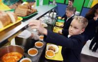 Еда в киевской гимназии угрожала жизни детей