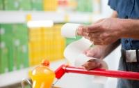 Кабмин полностью отменил госрегулирование цен на продукты
