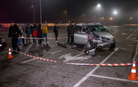 Жуткое ДТП в Киеве: пьяный подросток на авто сбил двух пешеходов и разбил три машины (видео)