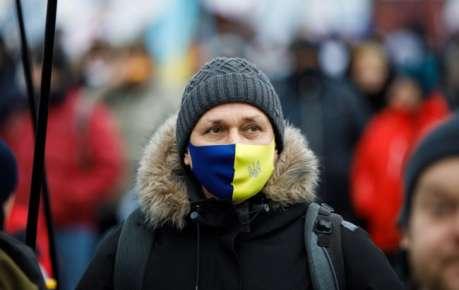 В Украине начал действовать адаптивный карантин: что запрещено