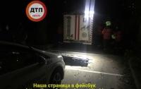 Смерть на свидании: в Киеве девушка упала в шахту лифта