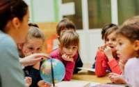 Школьникам начнут доплачивать за успехи в учебе
