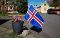Исландия объявила об отмене строгих правил въезда для привитых туристов