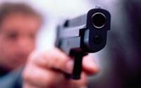 Посетитель бара застрелил официанта и был убит на месте