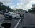 Под Киевом перевернулся автомобиль
