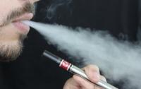 Стали известны новые факты о вреде электронных сигарет