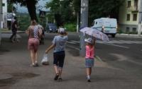 Непогода в Украине: без света остались почти 300 населенных пунктов