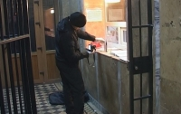 Пьяный киевлянин пытался себя сжечь в райуправлении полиции