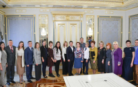 Зеленский заявил о необходимости провести интернет в сельские школы