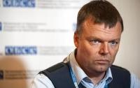 Боевые действия на Донбассе можно закончить за час, - Хуг